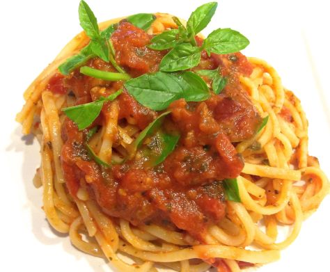Spaghetti with Cherry Tomato Basil Sauce